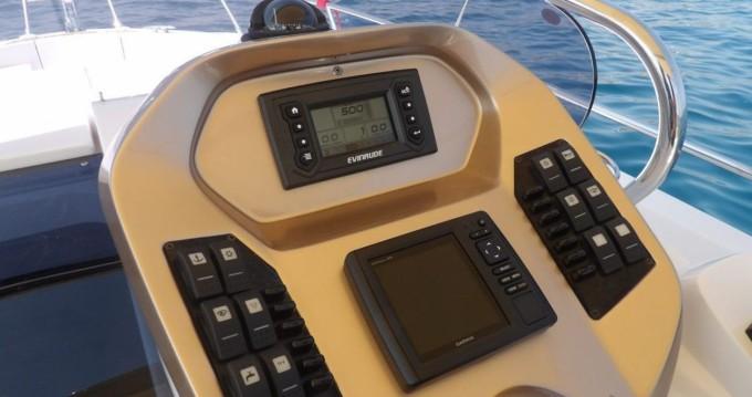 Noleggio Barca a motore Sessa Marine con patente nautica