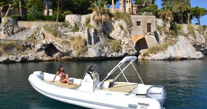 Noleggiare una Altamarea Wave 20 a Palermo