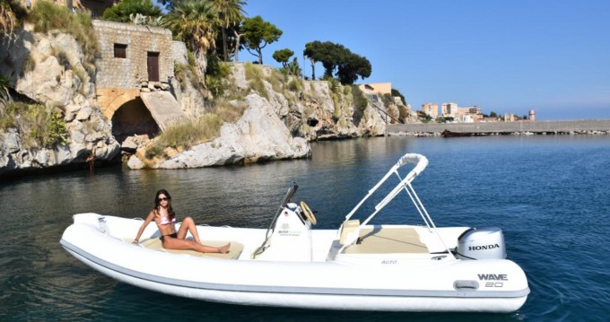 Noleggio barche Palermo economico Wave 20