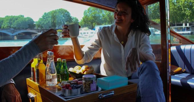 Noleggio Barca a motore F.Lli Astolfo con patente nautica