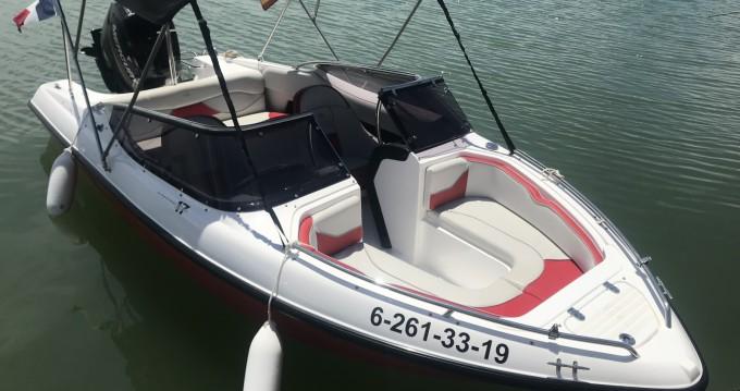 Barca a motore a noleggio a Port d'Alcudia al miglior prezzo