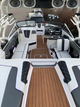 Noleggio Barca a motore con o senza skipper Nautique Correct Craft a Aix-les-Bains