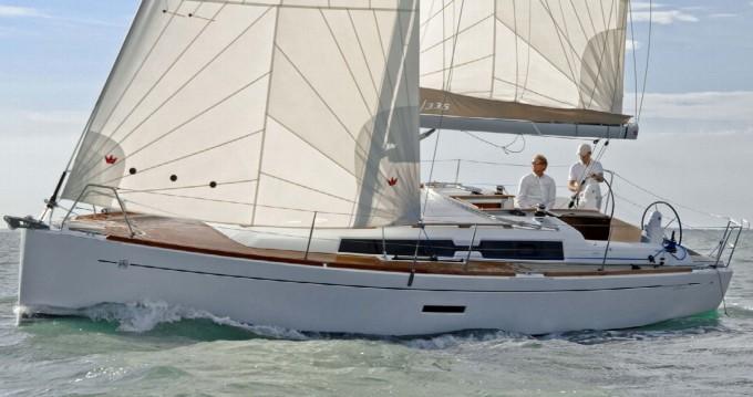 Noleggio Barca a vela a Arzon – Dufour 335