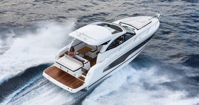 Noleggio Yacht Jeanneau con patente nautica