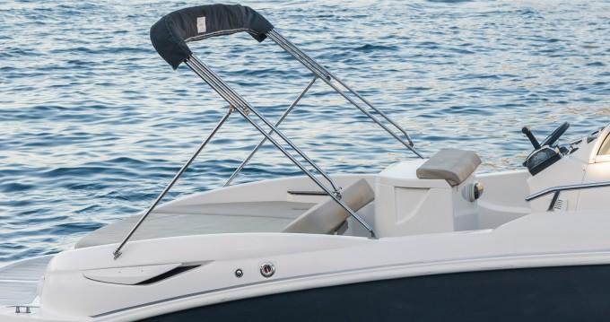 Noleggio Barca a motore a Marina di Stabia – Mano Marine 23.10