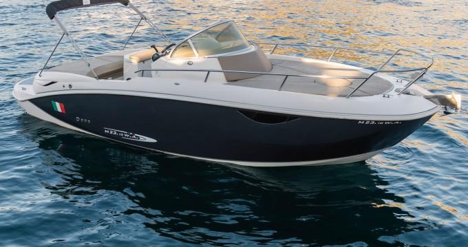 Noleggio Barca a motore con o senza skipper Mano Marine a Marina di Stabia