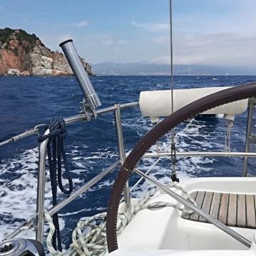 Barca a vela a noleggio a Arbatax al miglior prezzo