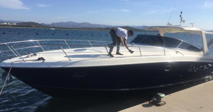 Noleggio Barca a motore con o senza skipper Baia a Punta Ala