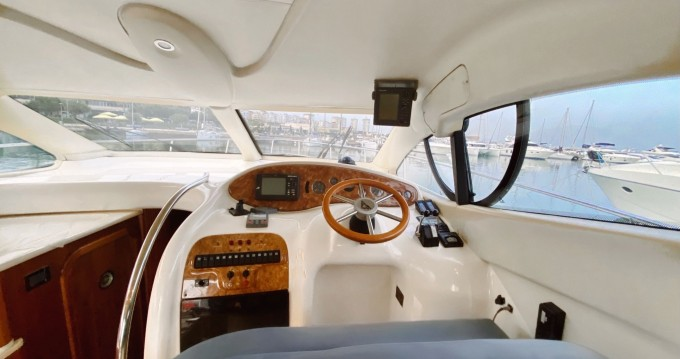 Noleggio barche Azimut Azimut 42 E a Yalıkavak su Samboat