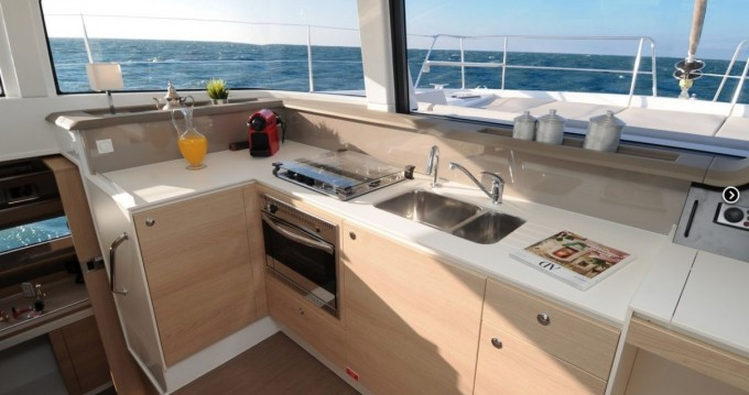 Noleggio yacht a Napoli – Catana Bali 4.1 - 4 + 2 cab. su SamBoat