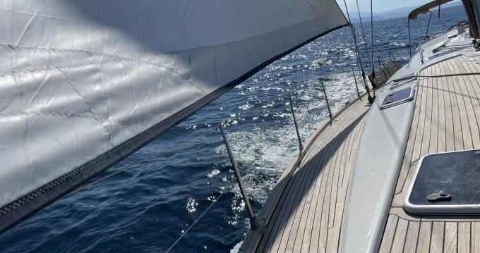 Barca a vela a noleggio a Cagliari Port al miglior prezzo