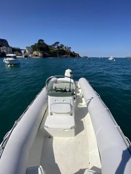 Noleggio barche Dinard economico Explorer 640 SB