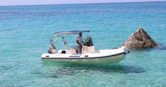 Noleggiare una Nuova Jolly Nuova Jolly 500 GT a Tropea