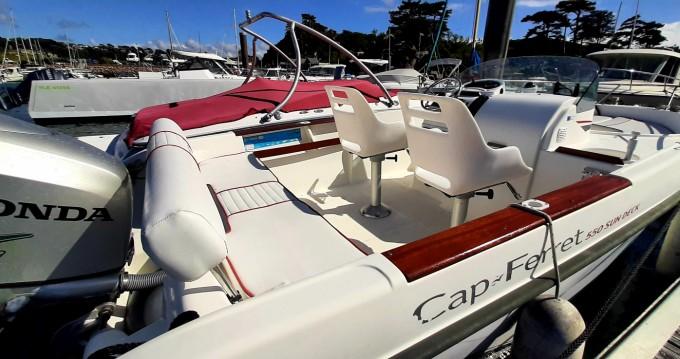 Cap-Ferret 550 sun deck tra privati e professionisti a Trébeurden