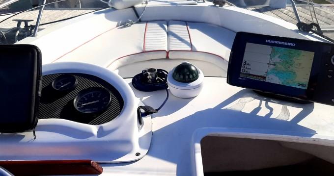 Noleggio yacht a Trébeurden – Cap-Ferret 550 sun deck su SamBoat