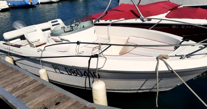 Noleggiare una Cap-Ferret 550 sun deck a Trébeurden
