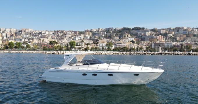 Noleggio Barca a motore con o senza skipper Mano Marine a Porto di Mergellina