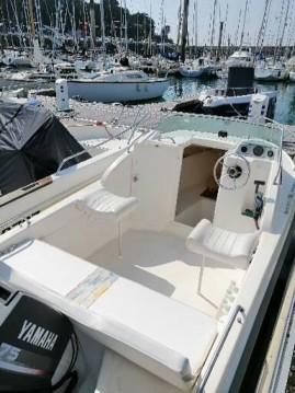 Barca a motore a noleggio a Saint-Malo al miglior prezzo