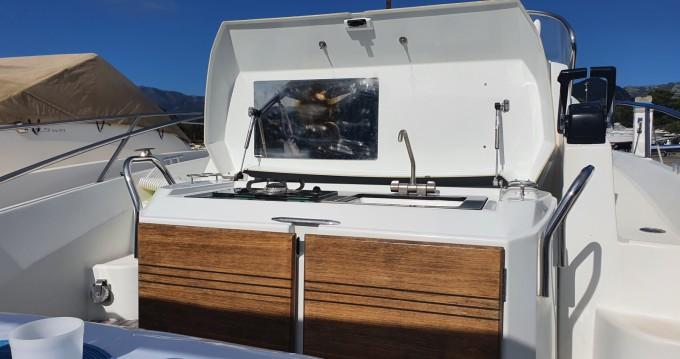 Bénéteau Flyer 850 Sun Deck Miami tra privati e professionisti a San Fiorenzo