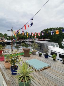 Noleggio Houseboat Peniche con patente nautica