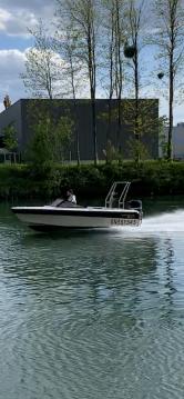 Barca a motore a noleggio a Bonneuil-sur-Marne al miglior prezzo