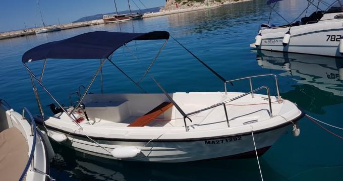 Noleggio Barca a motore con o senza skipper Adria a Macarsca