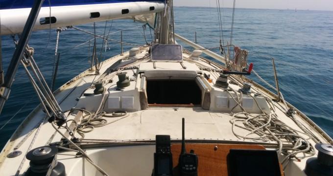 Barca a vela a noleggio a X Ostia/Acilia al miglior prezzo