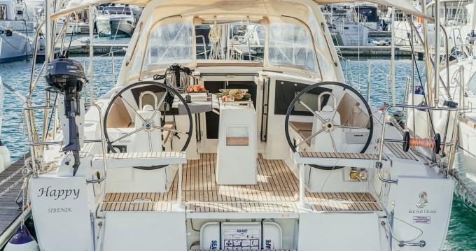 Noleggio barche Bénéteau Oceanis 38 a Sebenico su Samboat