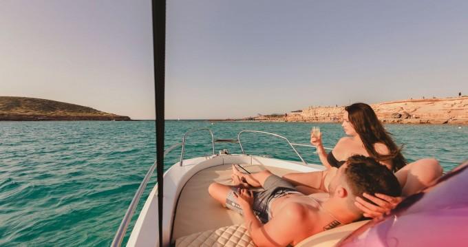 Noleggio Barca a motore con o senza skipper Sessa Marine a Ibiza Island
