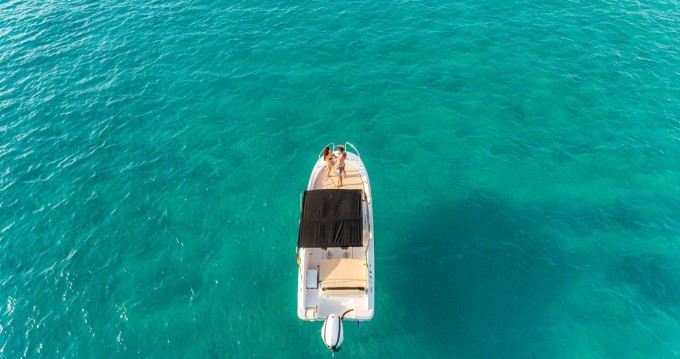 Noleggiare una Sessa Marine Key Largo 24 a Ibiza Island