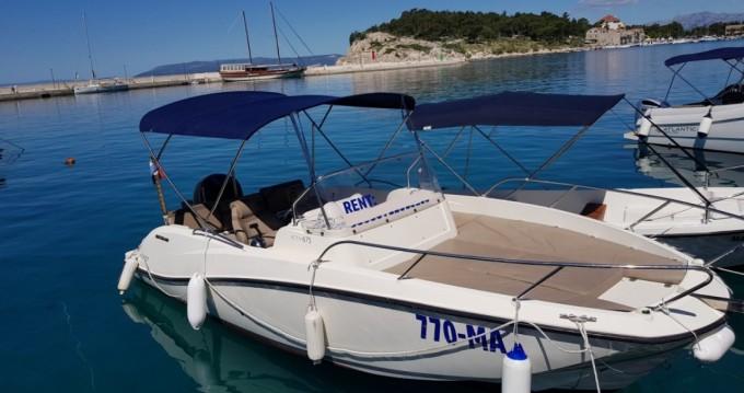 Noleggio barche Macarsca economico Activ 675 Sundeck