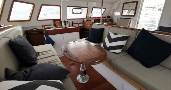 Noleggio yacht a Porquerolles – Tropic Composites Niominka 47 su SamBoat