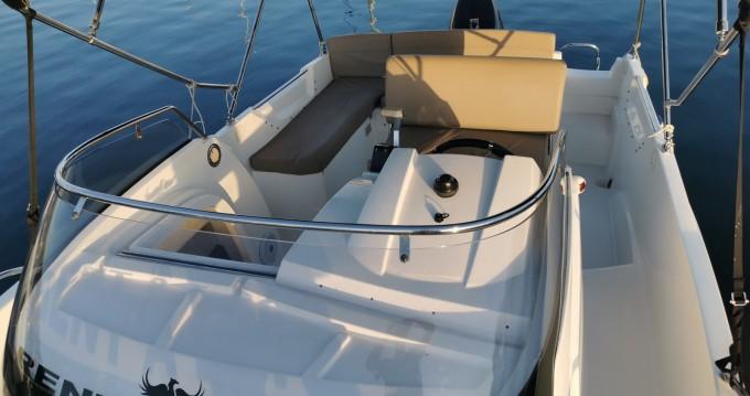 Noleggio Barca a motore Admiral con patente nautica