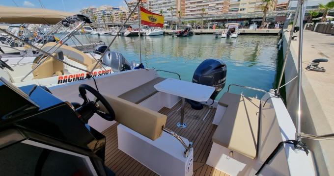Noleggio Barca a motore Mattrix  con patente nautica