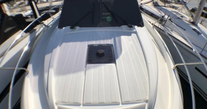 Barca a motore a noleggio a Port de Cap d'Ail al miglior prezzo
