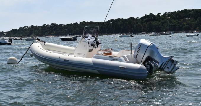 Barca a motore a noleggio a Port de la Vigne al miglior prezzo