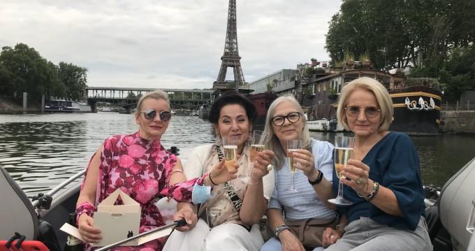 Noleggiare una Skylla 500 a Paris