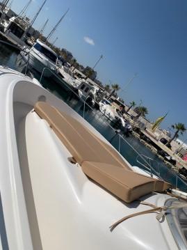 Noleggiare una Jeanneau Cap Camarat 925 WA a Port de Alicante