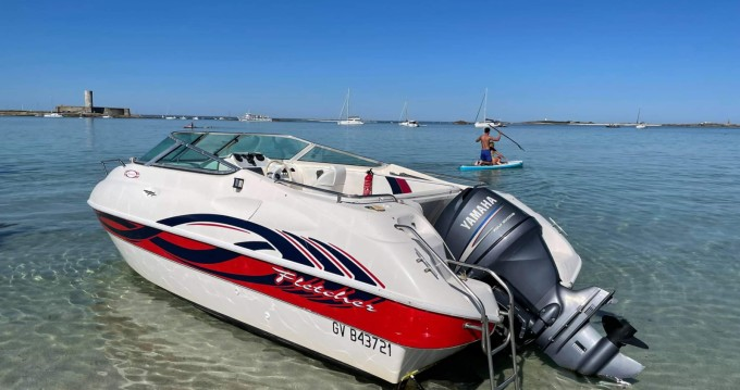 Noleggiare una Fletcher Sport cruiser a Île-Tudy