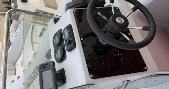 Noleggio barche Vieux-Port de Marseille economico Master 540 SUMMER