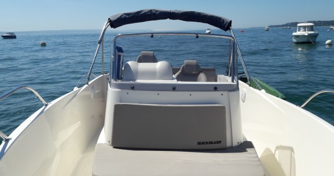 Noleggio yacht a Andernos-les-Bains – Quicksilver Activ 675 Open su SamBoat