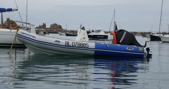 Noleggio Barca a motore con o senza skipper Zodiac a Carantec