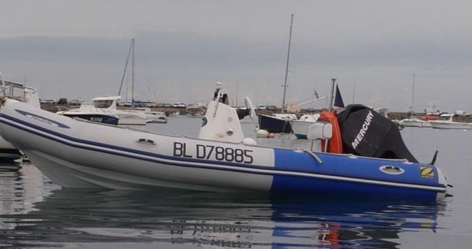 Noleggio Barca a motore a Carantec – Zodiac Medline 500 Sundream